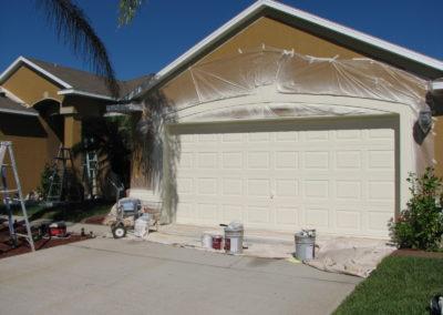 spray-painting-exterior-of-house-melbourne-garge-door-spray-painted-TpMPDF